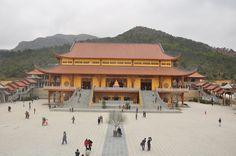 Đầu năm hành hương lên các ngôi chùa đẹp nhất Việt Nam
