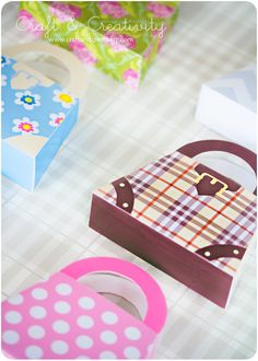 Paper gift bag tutorial and template from Craft And Creativity. Five pattern designs + blank template. Enlarge if you want bigger bags.