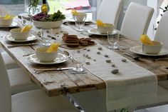 Asuntomessut Tunturikoivu 11 Ruokailu Tablescapes, Table Settings, Dining Table, Rustic, Finland, Diy, Furniture, Home Decor, Country Primitive