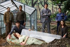 Picture: 'Grimm' (TV show) cast. Pic is in a photo gallery for 'Grimm' featuring 162 pictures. Grimm Cast, Nbc Grimm, Grimm Tv Show, Grimm Series, Tv Series, Netflix Series, Grimm Season 2, Die Brüder Grimm, Detective