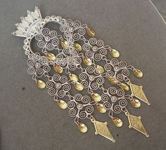 Bilderesultat for traditional norwegian brooches Ancient Jewelry, Antique Jewelry, Silver Jewelry, Norwegian Food, Norwegian Recipes, Norse Vikings, Silver Brooch, Folk Costume, Norway