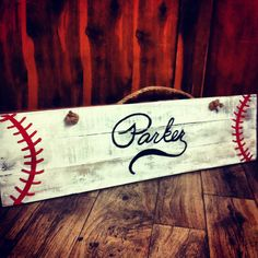 Hand painted pallet/reclaimed wood baseball sign shaped like a bat. Can add hooks to hold bags or hats on it. Pallet Painting, Pallet Art, Pallet Signs, Wood Signs, Pallet Beds, Pallet Crafts, Wooden Crafts, Diy Crafts, Baseball Crafts