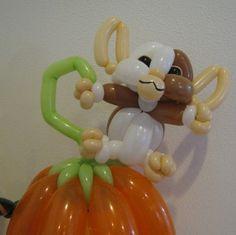 Balloon creation of Gizmo gremlin