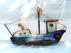 june-1 Wood Block Crafts, Wood Projects, Diy And Crafts, Arts And Crafts, Boat Art, Driftwood Crafts, Wood Bird, Old Chairs, Nautical Art