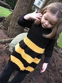 Knitting: Busy Little Bee dress