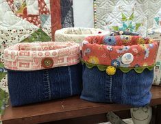 Cutting-Table---Basic-Grey-Bags made from old jeans & scraps Fabric Decor, Fabric Crafts, Sewing Crafts, Sewing Projects, Craft Projects, Jean Crafts, Denim Crafts, Grey Bags, Fabric Boxes