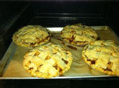 pie bake, oven, appl pie, apple pies