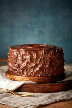 The BEST Keto Chocolate Zucchini Cake made with no sugar, no grains and no flour! Ultra moist, this low carb chocolate zucchini cake can easily be made vegan and flourless. Best Chocolate Cake, Low Carb Chocolate, Healthy Chocolate, Chocolate Recipes, Low Carb Desserts, Vegan Desserts, Delicious Desserts, Dessert Recipes, Keto Recipes