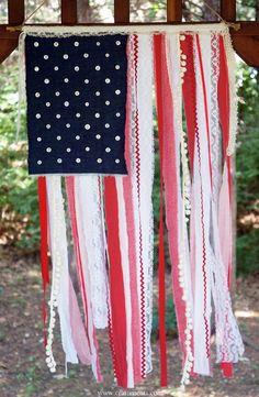 Craftiments+Patriotic+ribbon+lace+and+fabric+scap+flag+2.jpg 1,000×1,532 pixels
