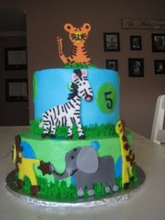 Another cool zoo cake cakes cakes n more cakes Pinterest
