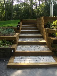 tie/ stone steps - All For Garden Sloped Yard, Sloped Backyard, Backyard Patio Designs, Back Gardens, Outdoor Gardens, Outdoor Steps, Steps To Patio, Landscape Stairs, Garden Stairs