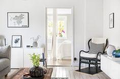 EO3 Scandinavian Interior, Living Room Inspiration, House Tours, Gallery Wall, House Design, Furniture, Home Decor, Interiors, Interior