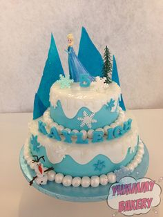 Frozen cake tiered Elsa Olaf Ice Isomalt