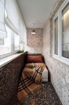 Получилось маленькая уютная комнатка из обычной лоджии.