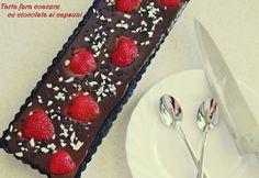 TARTA FARA COACERE CU CIOCOLATA SI CAPSUNI - Bucate parfumate Desserts, Food, Pie, Fragrance, Tailgate Desserts, Deserts, Eten, Postres, Dessert