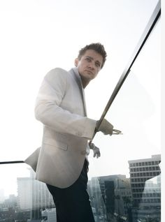 Sexy, sexy Renner