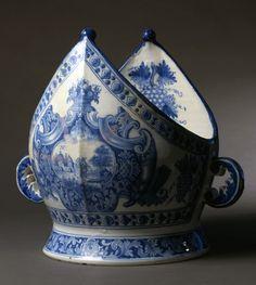 Punch bowl; faience  Store Kongensgade, c. 1740