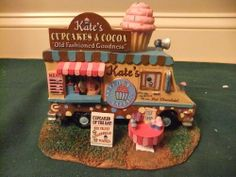 Lemax Porcelain Christmas Village house Bakery cupcake Food Truck vendor shop