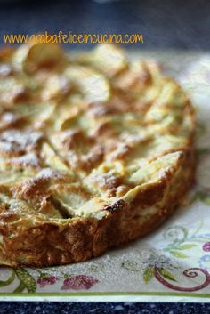 Il Calendario Italiano del Cibo d edica una settimana alla torta di mele: c'è ricetta che più di questa dia l'idea di focolare domestico...