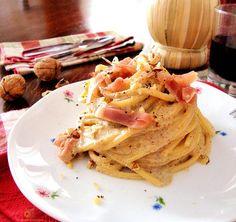 Spaghetto quadrato con noci, Speck e gorgonzola.Pronti per un primo piatto da leccarsi i baffi??
