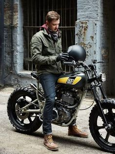 Upon his arrival in Florida, Canadian bike builder Shaun Brandt of Federal Moto quickly teamed up with Powder Monkees' Mike Muller customize a new daily ride. Moto Cafe, Cafe Bike, Cafe Racer Bikes, Cafe Racer Build, Cafe Racer Motorcycle, Motorcycle Style, Motorcycle Men, Motorcycle Travel, Moto Scrambler