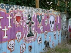 The Wall of Voodoo New Orleans! Got to see this when i go! Voodoo Party, Voodoo Halloween, Halloween Porch, New Orleans Vacation, New Orleans Travel, Voodoo Tattoo, Lafayette Cemetery, Rose Croix, Witches