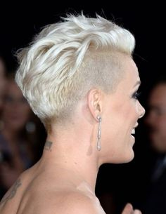 Short Shaved Hairstyles For Women - Elle Hairstyles Women's Shaved Hairstyles, Undercut Hairstyles, Pixie Hairstyles, Short Hairstyles For Women, Trendy Hairstyles, Singer Pink Hairstyles, Short Punk Haircuts, Hairstyles 2018, Pixie Haircuts