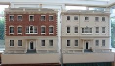 Georgian dolls houses showing brick and plain painted exteriors. Diy Dollhouse, Dollhouse Miniatures, Doll Houses, Bird Houses, Stair Landing, House Ornaments, Georgian Homes, Facade House, Miniature Houses