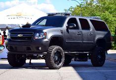 Remove the light bars and I'm in love! Lifted Chevy Trucks, Gmc Trucks, Diesel Trucks, Cool Trucks, Lifted Tahoe, Chevrolet Suburban, Chevrolet Tahoe, Chevrolet Blazer, Police Truck
