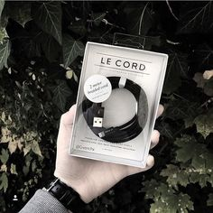 When nature calls make sure there's enough battery. Pic provided by @evan.dst #LeCord #2meters #braided #iphone #cable #black #forest #outdoor #naturetech