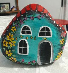 Dot Painting, Stone Painting, House Painting, Casa Do Rock, Robert Rock, Christmas Rock, House On The Rock, Rock Painting Designs, Stone Crafts
