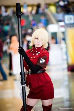 Seras Victoria from Hellsing Cosplayer: Etherthires Cosplay Photographer: Tiger Shot Productions