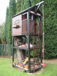 sweet idea for a tree house