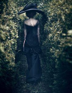 Sequence Photography, Alex White, Dramatic Photos, Paolo Roversi, Black Garden, Tilda Swinton, Hat Hairstyles, Haute Couture Fashion, Christian Lacroix