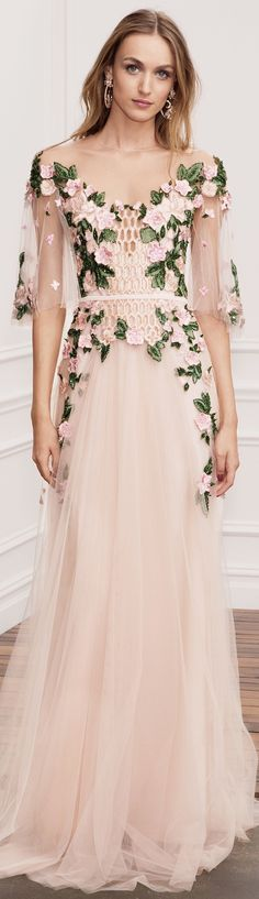 Marchesa Notte Spring 2018 Ready-to-Wear Fashion Show 2019 Marchesa Notte Spring 2018 RTW: Ethereal blush gown with intricate floral details on the bodice. The post Marchesa Notte Spring 2018 Ready-to-Wear Fashion Show 2019 appeared first on Floral Decor. Runway Fashion, Fashion Show, Moda Floral, Fashion Vestidos, Blush Gown, Vestidos Plus Size, Ellie Saab, Beaded Gown, Floral Fashion