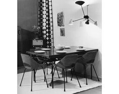 Guariche Dining Chairs, Dining Table, Happy House, Decor Interior Design, Interior Inspiration, Office Desk, Mid Century, Furniture, Apartments