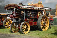 "1915 Burrell Showmans Road Locomotive, 3651 ""Earl Kitchener"" -  HR 3964 Steam Traction Engine  http://www.steamscenes.org.uk/events/2007/pickering-steam-rally/7/"