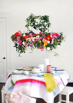 DIY Flower Chandeliers Are Taking Over Dining Rooms