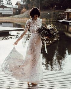 Long Sleeved Wedding Dresses For Autumn and Winter,long sleeve wedding dress,winter wedding dress,lace wedding dress,wedding dress inspiration