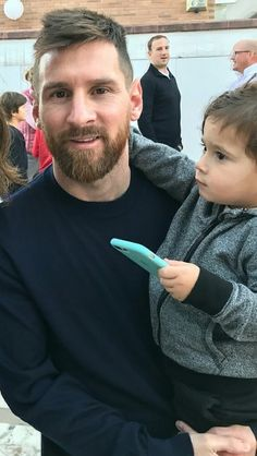Leo with his son Mateo Messi Life, Lional Messi, Messi Fans, Messi Soccer, Leo, Messi And Wife, Lionel Messi Biography, Lionel Messi Family, Cr7 Junior