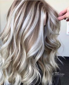 Balyage Long Hair, Light Blonde Hair, Blonde Hair Looks, Light Hair, Balayage Hair, Cool Toned Blonde Hair, Gray Hair Highlights, Cool Blonde Highlights With Lowlights, Low Lights Hair
