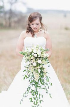 Cascading #white bridal bouquet (Photo by Green Tree Photo)