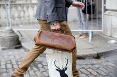 quiero ese maletín.