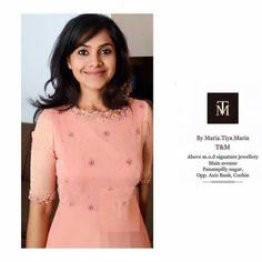 Salwar Neck Designs, Churidar Designs, Kurta Neck Design, Kurta Designs Women, Indian Party Wear Gowns, Gown Party Wear, Saree Designs Party Wear, Simple Kurti Designs, Frock For Women
