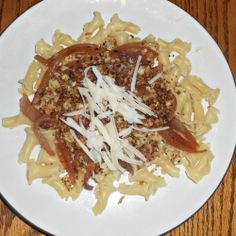 Fusilli with Caramelized Onions and White Wine: Meatless Mondays - Hezzi-D's Books and Cooks - cheap dinner idea Easy Weeknight Meals, Frugal Meals, Pasta Recipes, Dinner Recipes, Pasta Meals, Caramelized Onions Recipe, Great Recipes, Favorite Recipes, Cheap Dinners