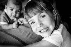 sesiones de fotos de familias divertidas en alicante. fotos de familias y niños. Spanish portraits photographers. Life Style Photographers