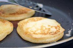 Pancakes - Rezept | GuteKueche.at Veggie Recipes, Cake Recipes, Cooking Recipes, Tasty Pancakes, No Cook Desserts, Breakfast Recipes, Brunch, Good Food, Veggies