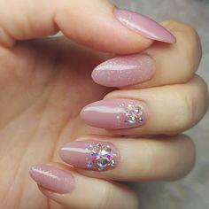 cute french nails Tips French Nails, Manicure, Gel Nails, Color Block Nails, Blush Nails, Bridal Nail Art, Kawaii Nails, Nail Art Rhinestones, Japanese Nails