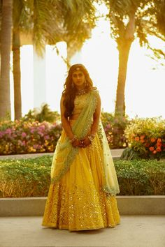 When a fashion designer gets hitched, you can expect the best wedding dresses of the season! Indian Lehenga, Half Saree Lehenga, Lehnga Dress, Indian Beauty Saree, Pakistani, Sarees, Indian Wedding Outfits, Best Wedding Dresses, Bridal Outfits