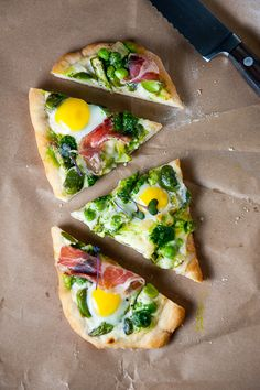 Spring Pizza: asparagus, parma ham, fresh eggs